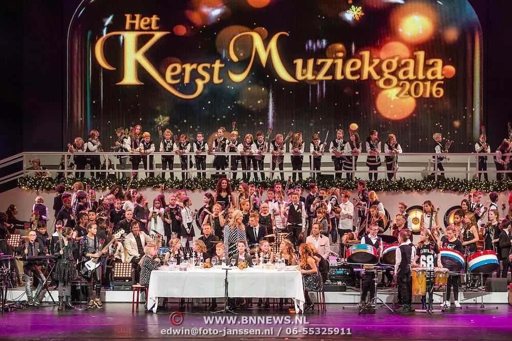 NLD/Amsterdam/20161209 - Werkbezoek Maxima bij Muziek in de Klas, Maxima