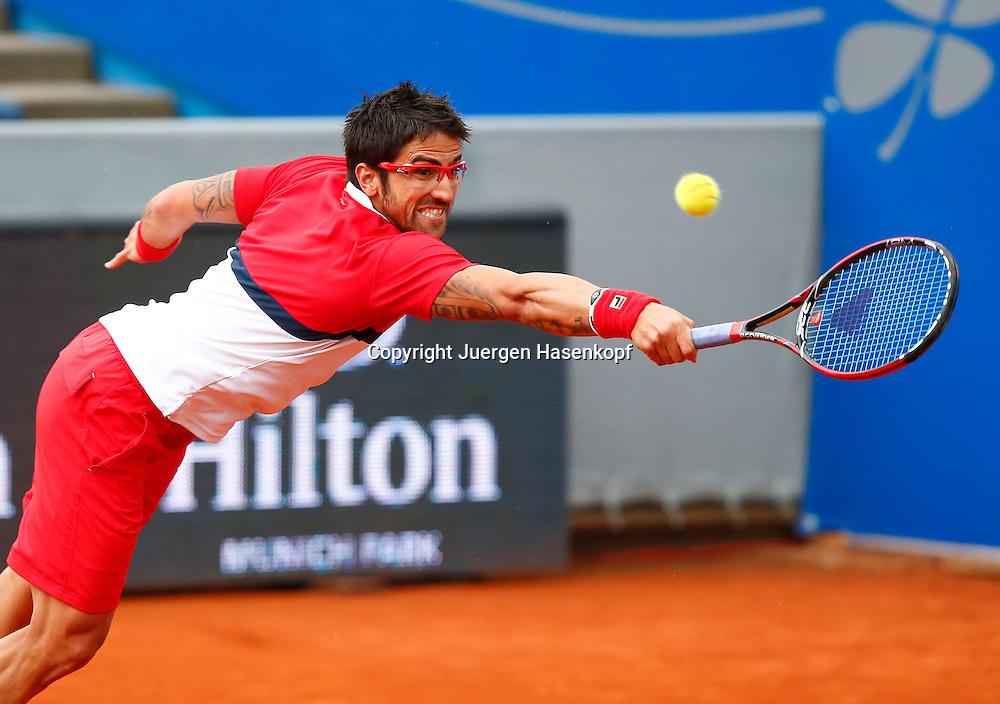 BMW Open 2013,250 ATP World Tour, Tennis Turnier, International Series,Iphitos Tennis Club, Sandplatz, Muenchen,Janko Tipsarevic (SRB),.Aktion,Einzelbild,Halbkoerper,Querformat,