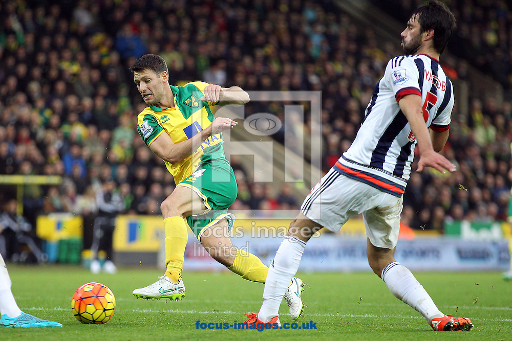 Wes Hoolahan of Norwich has a shot on goal during the Barclays Premier League match at Carrow Road, Norwich<br /> Picture by Paul Chesterton/Focus Images Ltd +44 7904 640267<br /> 24/10/2015