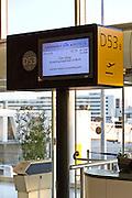 Bording gate, Roissy Charles de Gaulle Airport, Paris. o (Photo: Alan Aubry)