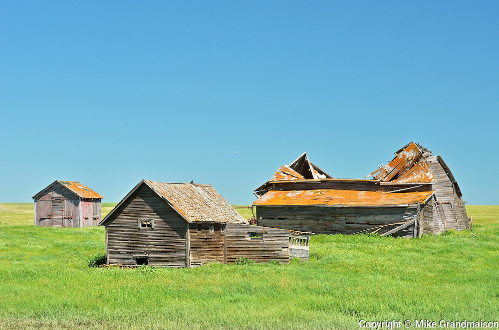 Old homestead<br /> near Mankota<br /> Saskatchewan<br /> Canada