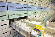 Nederland, Nijmegen, 25-4-2015Geneesmiddelen, medicijnen in een apotheekFOTO: FLIP FRANSSEN/ HH