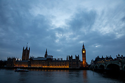 © Licensed to London News Pictures. 28/03/2017. London, UK. The sun sets behind the Houses of Parliament. Tomorrow, British Prime Minister Theresa May will trigger Article 50, meaning the UK will be formally leaving the European Union. Photo credit : Tom Nicholson/LNP