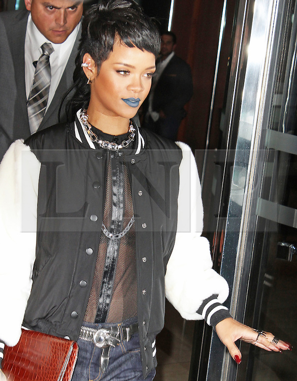 © Licensed to London News Pictures. 10/09/2013, UK. Rihanna leaving her London Hotel, 45 Park Lane, London UK, 10 September 2013. Photo credit : Brett D. Cove/Piqtured/LNP