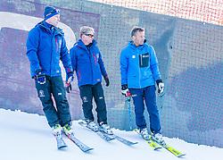 10.01.2020, Streif, Kitzbühel, AUT, FIS Weltcup Ski Alpin, Schneekontrolle durch die FIS, im Bild v.l. Thomas Voithofer (Rennstrecken Begrenzungen), Herbert Hauser (Pistenchef Streif), Hannes Trinkl (FIS Renndirektor) // f.l. Thomas Voithofer racetrack boundary Herbert Hauser slope Manager Streif and Hannes Trinkl FIS Racedirector during snow control by the FIS for the FIS ski alpine world cup at the Streif in Kitzbühel, Austria on 2020/01/10. EXPA Pictures © 2020, PhotoCredit: EXPA/ Stefan Adelsberger