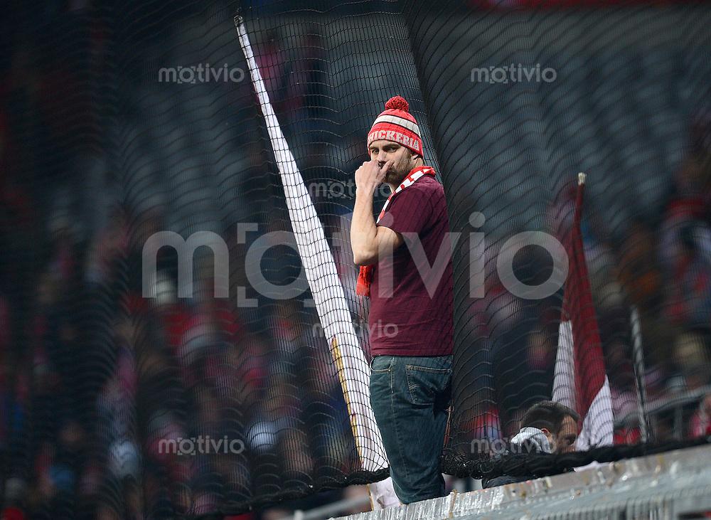 FUSSBALL   1. BUNDESLIGA  SAISON 2012/2013   15. Spieltag FC Bayern Muenchen - Borussia Dortmund     01.12.2012 Schickeria Fan vom FC Bayern Muenchen