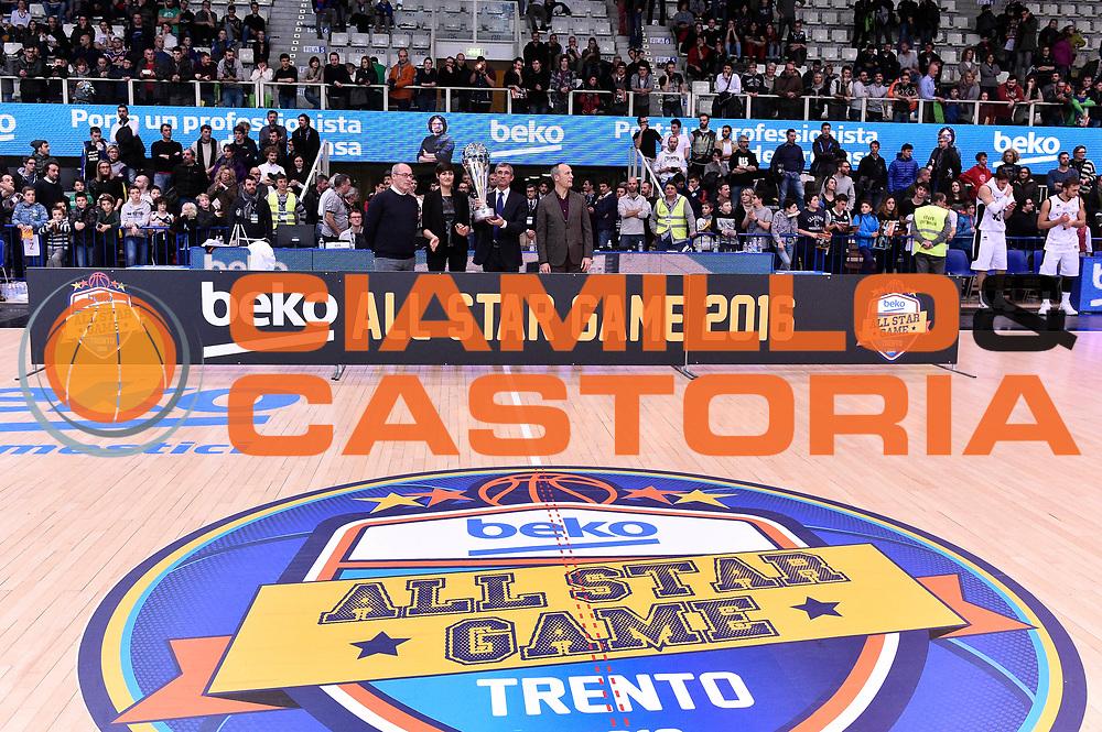 DESCRIZIONE : Trento Beko All Star Game 2016<br /> GIOCATORE : Alice Sabatini Federico Mangiacotti Nando Marino<br /> CATEGORIA : premiazione<br /> SQUADRA : <br /> EVENTO : Beko All Star Game 2016<br /> GARA : Dolomiti Energia All Star Team - Cavit All Star Team<br /> DATA : 10/01/2016<br /> SPORT : Pallacanestro <br /> AUTORE : Agenzia Ciamillo-Castoria/Max.Ceretti