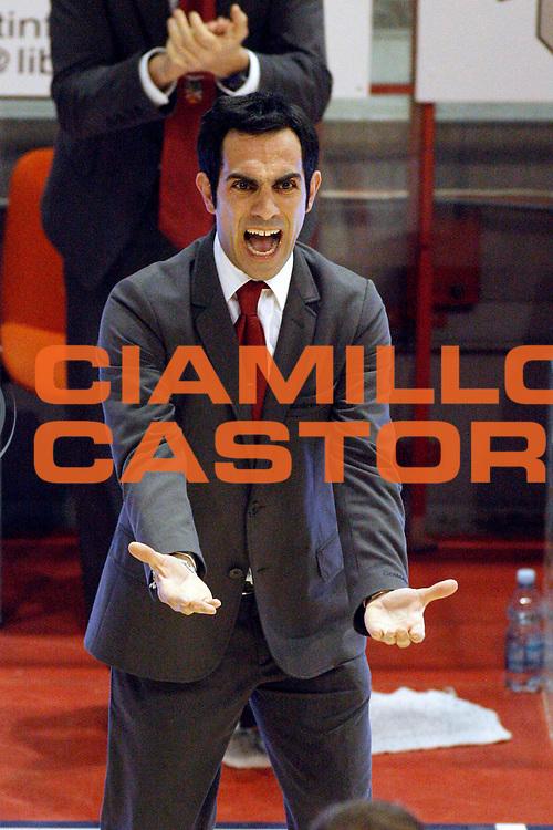 DESCRIZIONE : Pistoia Lega A2 2011-12 Giorgio Tesi Group Pistoia Aget Service Imola<br /> GIOCATORE : Coach Fuc&agrave; Federico <br /> SQUADRA : Aget Service Imola<br /> EVENTO : Campionato Lega A2 2011-2012<br /> GARA : Giorgio Tesi Group Pistoia Aget Service Imola<br /> DATA : 22/01/2012<br /> CATEGORIA : Esultanza<br /> SPORT : Pallacanestro<br /> AUTORE : Agenzia Ciamillo-Castoria/Stefano D'Errico<br /> Galleria : Lega Basket A2 2011-2012 <br /> Fotonotizia : Pistoia Lega A2 2011-2012 Giorgio Tesi Group Pistoia Aget Service Imola<br /> Predefinita :