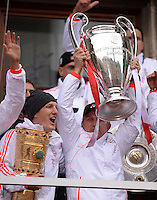 FUSSBALL TRIPELPARTY  SAISON  2012/2013  02.06.2013 Champions Party des FC Bayern Muenchen nach dem Gewinn des DFB Pokal und Triple.  Bastian Schweinsteiger (li) und Trainer Jupp Heynckes (re)
