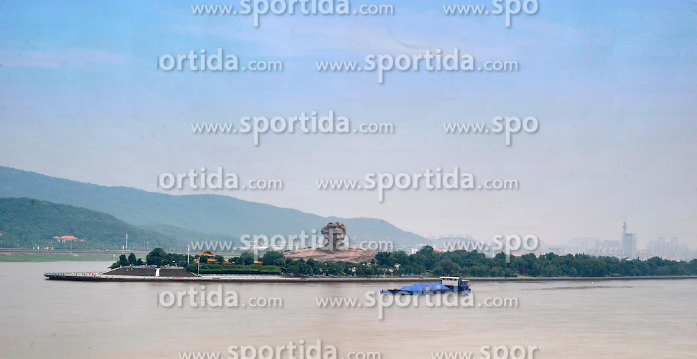 Photo taken on June 12, 2015 shows the Xiangjiang River in Changsha, capital of central China's Hunan Province. Many regions in China greets fine weather in recent day. EXPA Pictures &copy; 2015, PhotoCredit: EXPA/ Photoshot/ Long Hongtao<br /> <br /> *****ATTENTION - for AUT, SLO, CRO, SRB, BIH, MAZ only*****
