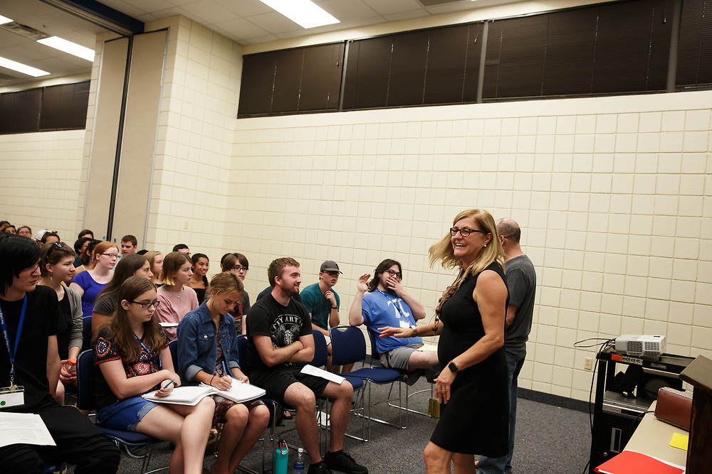 New College of Florida students attend mini classes during their first week at New College of Florida for the 2017-2018 academic year in Sarasota, Fla., on Thursday, August 24, 2017. New College is a top Fulbright producer with a waterfront campus on Sarasota Bay. / (August 24, 2017; Photo by Casey Brooke Lawson)