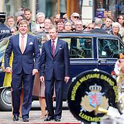 LUX/Luxembug/20180523 - Staatbezoek Luxemburg 2018 dag 1, Afnemen erewacht door Willem-Alexander en Maxima verwelkomt door Groothertog Henri en Groothertogin Maria Terea