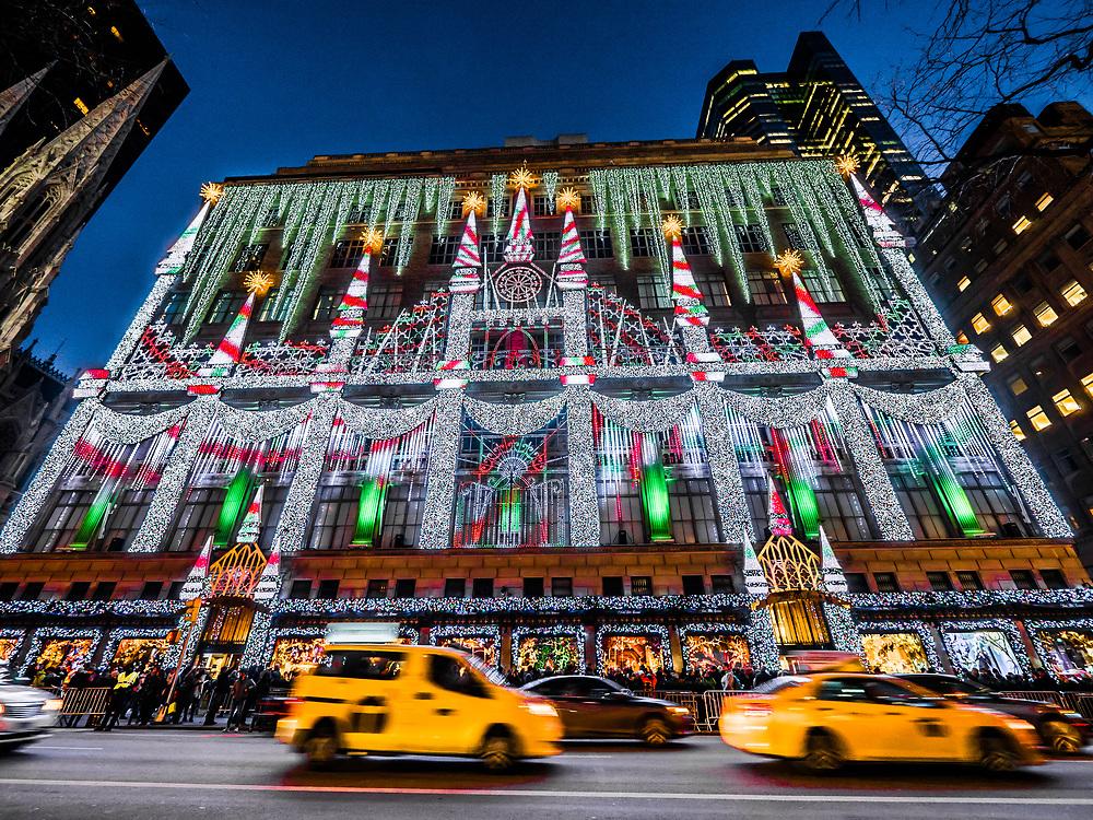 Saks Fifth Avenue Christmas Light Show