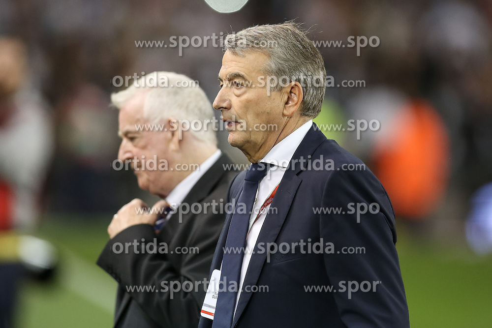 08.10.2015, Avia Stadium, Dublin, IRL, UEFA Euro Qualifikation, Irland vs Deutschland, Gruppe D, im Bild DFB Praesident Wolfgang Niersbach // during the UEFA EURO 2016 qualifier group D match between Ireland and Germany at the Avia Stadium in Dublin, Ireland on 2015/10/08. EXPA Pictures &copy; 2015, PhotoCredit: EXPA/ Eibner-Pressefoto/ Risto Bozovic<br /> <br /> *****ATTENTION - OUT of GER*****
