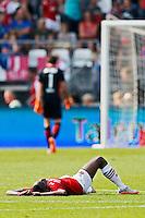 ALKMAAR - 30-08-2015, AZ - Roda JC, AFAS Stadion, 0-1, teleurstelling, AZ speler Ridgeciano Haps, AZ keeper Sergio Rochet.