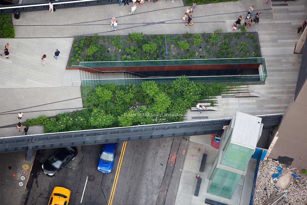High Line stair and handicap elevator access to the deck at 14th St.
