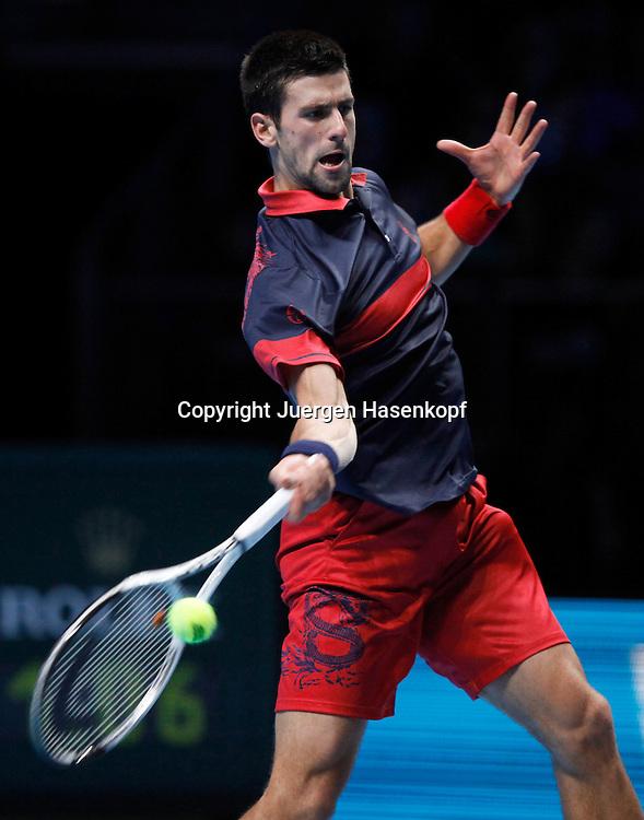 ATP World Tour Finals  2010 in der O2 Arena in London, HerrenTennis Turnier, WM, Weltmeisterschaft, Novak Djokovic (SRB),action