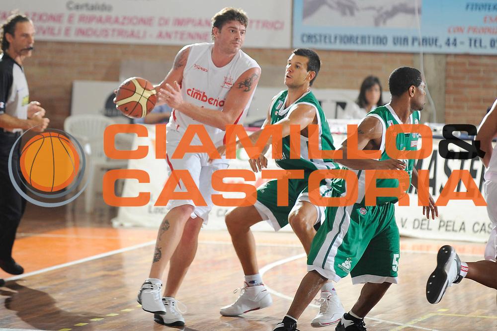 DESCRIZIONE : Castelfiorentino Lega A 2009-10 Basket Torneo V. Martini Montepaschi Siena Cimberio Pallacanestro Varese<br /> GIOCATORE : Simone Cotani<br /> SQUADRA : Cimberio Pallacanestro Varese<br /> EVENTO : Campionato Lega A 2009-2010 <br /> GARA : Montepaschi Siena Cimberio Pallacanestro Varese<br /> DATA : 12/09/2009<br /> CATEGORIA : palleggio<br /> SPORT : Pallacanestro <br /> AUTORE : Agenzia Ciamillo-Castoria/G.Ciamillo