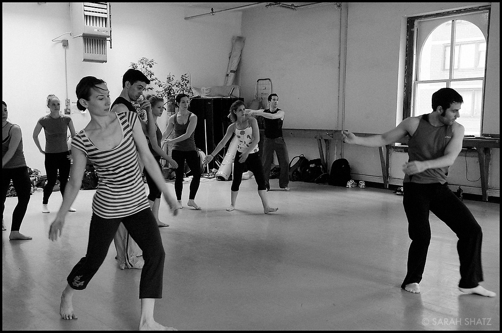 Advanced Modern dance class taught by Paul Taylor Dancers