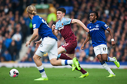 Declan Rice of West Ham United (C) in action - Mandatory by-line: Jack Phillips/JMP - 19/10/2019 - FOOTBALL - Goodison Park - Liverpool, England - Everton v West Ham United - English Premier League