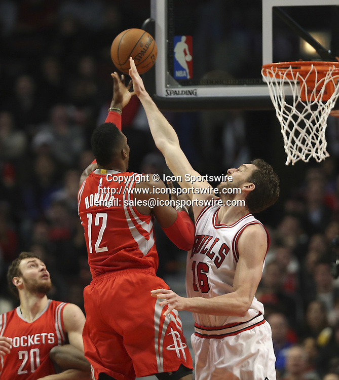 Jan. 5, 2015 - Chicago, IL, USA - Chicago Bulls forward Pau Gasol (16) blocks a shot by Houston Rockets center Dwight Howard (12) during the first half on Monday, Jan. 5, 2015, at the United Center in Chicago