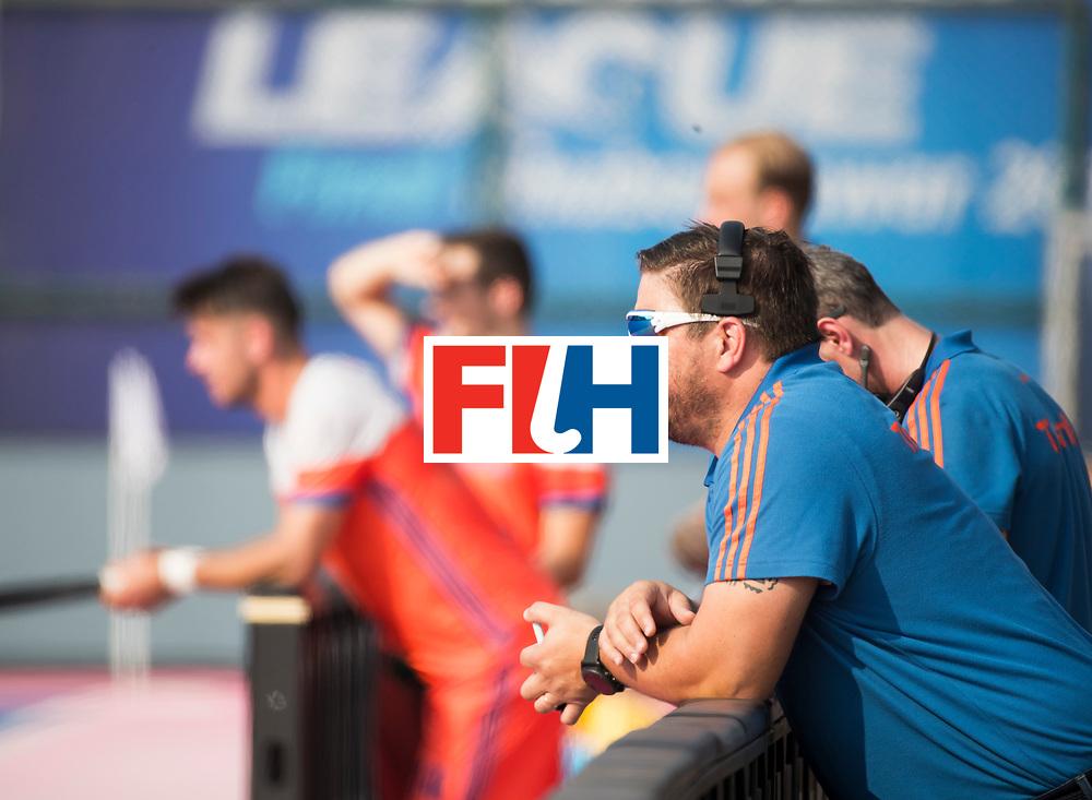BHUBANESWAR - bondscoach Max Caldas (Ned)  tijdens de Hockey World League Final wedstrijd Nederland-Spanje (2-3). COPYRIGHT  KOEN SUYK