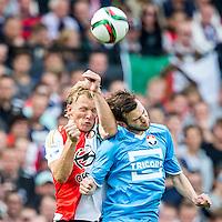 ROTTERDAM - Feyenoord - Willem II , Voetbal , Seizoen 2015/2016 , Eredivisie , Stadion de Kuip , 13-09-2015 , Speler van Feyenoord Dirk Kuyt (l) in kopduel met Willem II speler Erik Falkenburg (r)