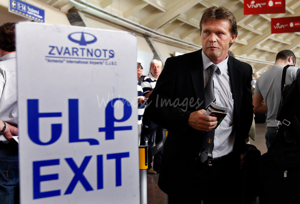 Belgium's coach Franky Vercauteren arrives at Yerevan airport September 10, 2009. Vercauteren resigned after Belgium lost  its World Cup 2010 qualifying soccer match against Armenia. REUTERS/Thierry Roge   (ARMENIA SPORT SOCCER)