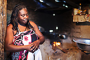 """Luzinete Serafim Blandino, 53 anos, moradora da Comunidade Quilombola  São Domingos, é uma das principais lideranças da comunidade São Domingos, que há trinta anos luta contra a violência da empresa Aracruz-Fibria e do Estado. """"Hoje, estamos inviabilizados economicamente. Não temos mais terra para trabalhar.Estamos cercados pelos eucaliptos e vivemos de cesta básica e de bolsa família."""""""