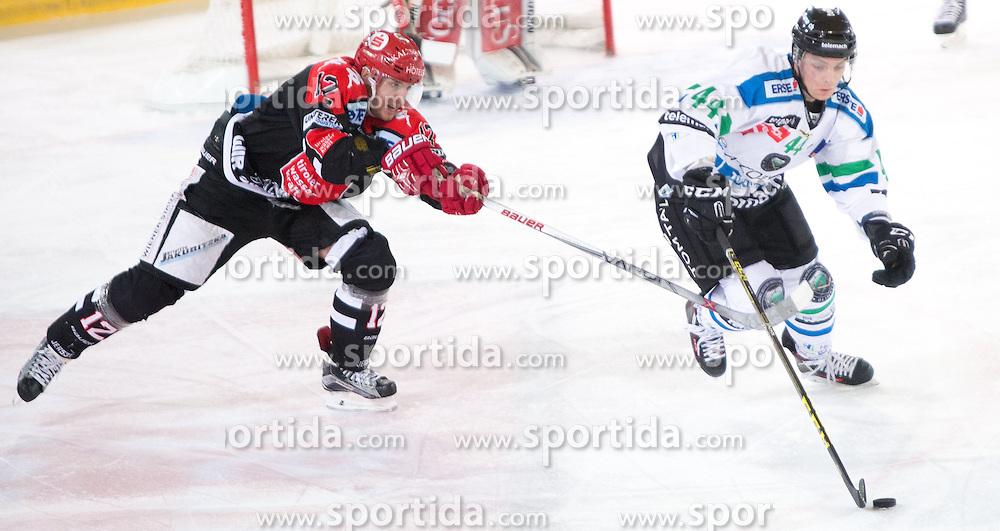 28.12.2015, Tiroler Wasserkraft Arena, Innsbruck, AUT, EBEL, HC TWK Innsbruck die Haie vs HDD TELEMACH Olimpija Ljubljana, 36. Runde, im Bild vl.:  Andreas Valdix (HC TWK Innsbruck Die Haie), Maks Selan (HDD Telemach Olimpija Ljubljana) // during the Erste Bank Icehockey League 36th round match between HC TWK Innsbruck  die Haie and HDD TELEMACH Olimpija Ljubljana at the Tiroler Wasserkraft Arena in Innsbruck, Austria on 2015/12/28. EXPA Pictures © 2015, PhotoCredit: EXPA/ Jakob Gruber