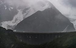 THEMENBILD - die Staumauer des Moserboden Stausees im Regen, aufgenommen am 16. Juni 2017, Kaprun, Österreich // the dam of the reservoir Moserboden during rain on 2017/06/16, Kaprun, Austria. EXPA Pictures © 2017, PhotoCredit: EXPA/ JFK