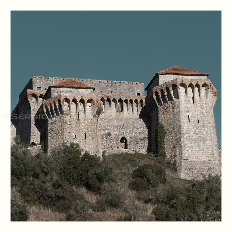 Retro image of Ourem castle