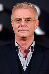 © Licensed to London News Pictures. 01/12/2016. STEPHEN DALDRY attends the TV premiere of the new Netflix series The Crown about the reign of Queen Elizabeth II. London, UK. Photo credit: Ray Tang/LNP