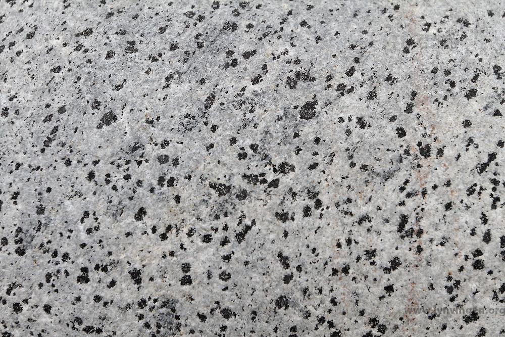 ....Nefelinsyenitt ..Karbon. 294 millioner år ..Langesundsfjorden ....---  ....Nepheline syenite ..Carbon. 295 million years..Langesund area