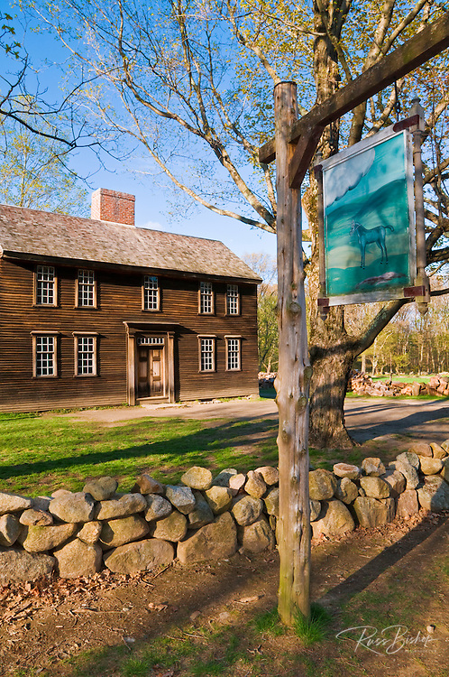 Hartwell Tavern and sign along the Battle Road, Minute Man National Historic Park, Massachusetts