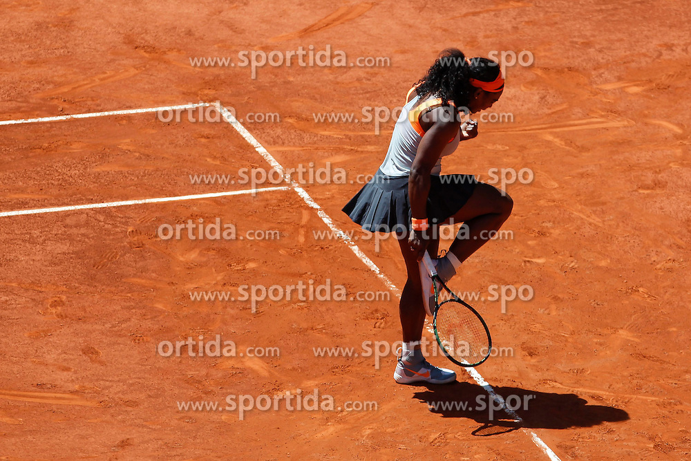 06.05.2015, Caja Magica, Madrid, ESP, WTA Tour, Mutua Madrid Open, im Bild Serena Williams from USA celebrates // during the Madrid Open of WTA World Tour at the Caja Magica in Madrid, Spain on 2015/05/06. EXPA Pictures &copy; 2015, PhotoCredit: EXPA/ Alterphotos/ Victor Blanco<br /> <br /> *****ATTENTION - OUT of ESP, SUI*****