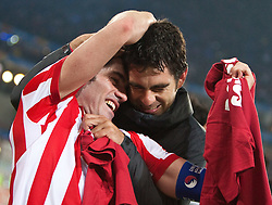 12.05.2010, Hamburg Arena, Hamburg, GER, UEFA Europa League Finale, Atletico Madrid vs Fulham FC im Bild Antonio Lopez, #03, Atletico Madrid, Tiago, #05, Atletico Madrid feiern den Sieg, EXPA Pictures © 2010, PhotoCredit: EXPA/ J. Feichter / SPORTIDA PHOTO AGENCY