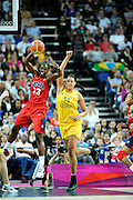 DESCRIZIONE : Basketball Jeux Olympiques Londres Demi finale<br /> GIOCATORE : Fowle Sylvia USA <br /> SQUADRA : USA FEMME<br /> EVENTO : Jeux Olympiques<br /> GARA : USA AUSTRALIE<br /> DATA : 09 08 2012<br /> CATEGORIA : Basketball Jeux Olympiques<br /> SPORT : Basketball<br /> AUTORE : JF Molliere <br /> Galleria : France JEUX OLYMPIQUES 2012 Action<br /> Fotonotizia : Jeux Olympiques Londres demi Finale Greenwich Arena<br /> Predefinita :