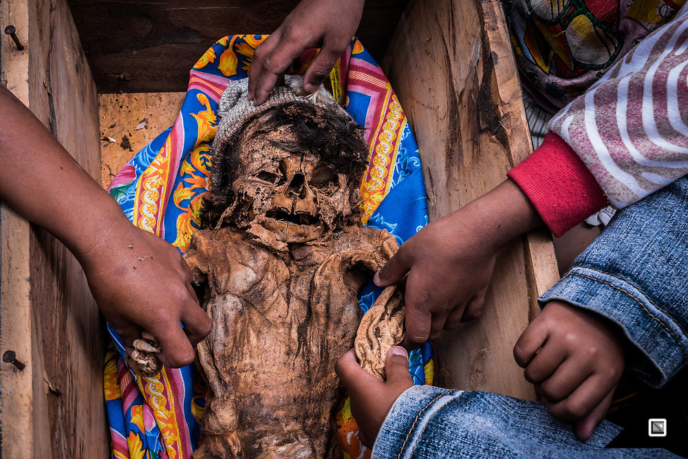 Blind date - This is the first time the four cousins see their dead relative who passed away 10 years ago because of sickness. Back then, there were no proper roads in the mountainous area of Toraja, so it was too late to bring the 6 months old baby to the hospital for a checkup.