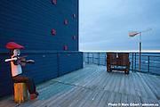 Terrasse du Théâtre de la Vieille Forge au Festival en chanson de Petite Vallée -  Théâtre de la Vieille Forge / Petite Vallée / Canada / 2012-06-25, Photo © Marc Gibert / adecom.ca