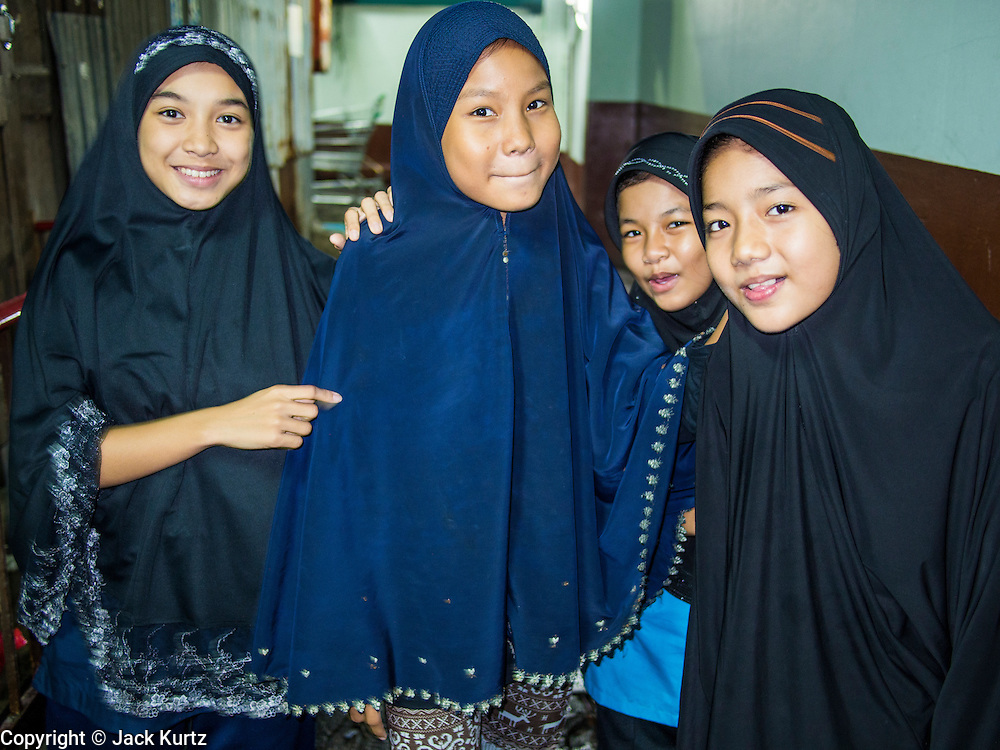 Image result for Cham Muslims in Bangkok with headscarf