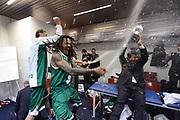 DESCRIZIONE : Milano Coppa Italia Final Eight 2013 Finale Cimberio Varese Montepaschi Siena<br /> GIOCATORE : Luca Banchi David Moss<br /> CATEGORIA : curiosita esultanza spogliatoio scelta<br /> SQUADRA : Montepaschi Siena Cimberio Varese<br /> EVENTO : Beko Coppa Italia Final Eight 2013<br /> GARA : Cimberio Varese Montepaschi Siena<br /> DATA : 10/02/2013<br /> SPORT : Pallacanestro<br /> AUTORE : Agenzia Ciamillo-Castoria/C.De Massis<br /> Galleria : Lega Basket Final Eight Coppa Italia 2013<br /> Fotonotizia : Milano Coppa Italia Final Eight 2013 Finale Cimberio Varese Montepaschi Siena<br /> Predefinita :