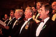 Hong Kong. St. David ball (Walles)   / Bal annuel irlandais de la St Patrick society  (irlandais) la chorale des notables  / R00057/49    L940226b  /  P0000298