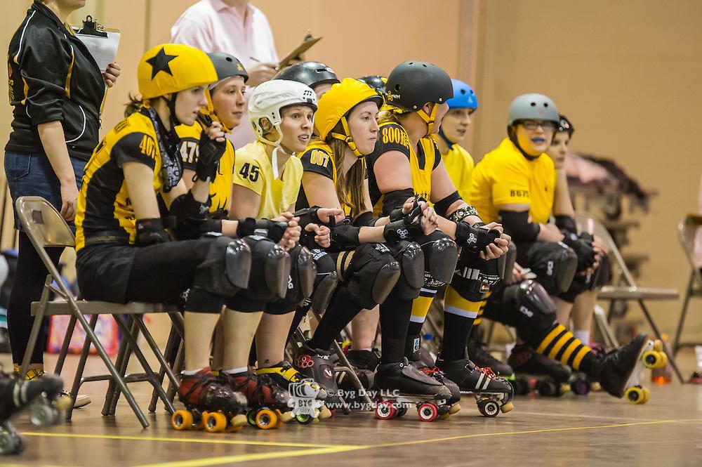 Pittsburgh, PA, Steel Hurtin' VS. the Ohio Roller Girls All Stars..Pittsburg PA Steel Beamers VS. Ohio Roller Girls Gang Green ..6 April 2013: at Louche Building - Ohio Expo Center in Columbus, Ohio. Dorn Byg/Byg Day LLC