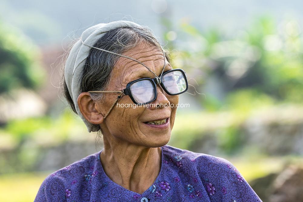 Vietnam Images-Chân dung-Cao bằng -hoàng thế nhiệm