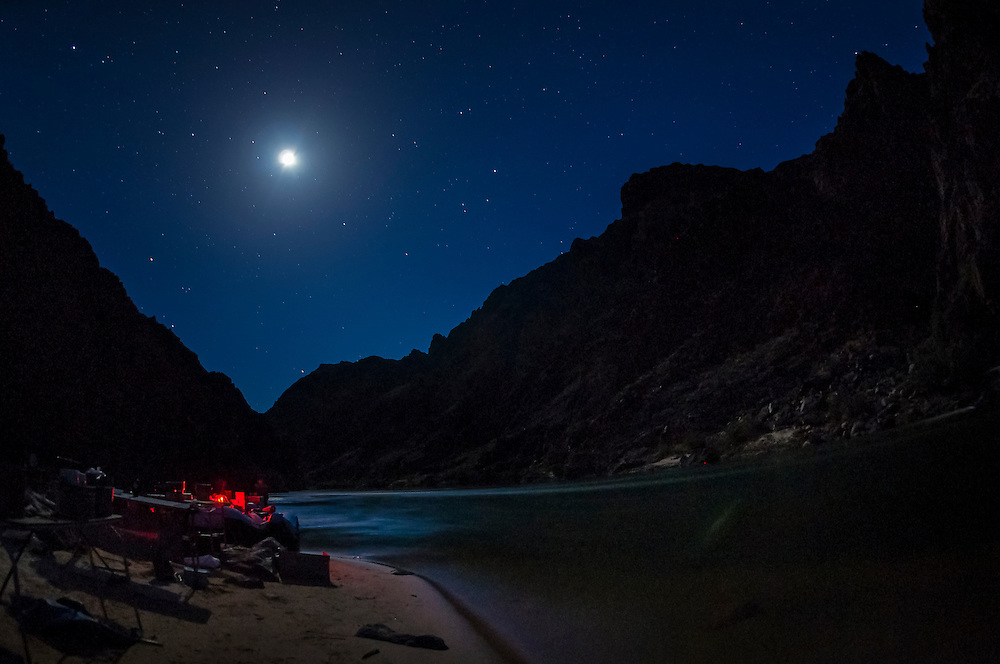"""A starry night, Camping at """"Cremation"""", Whitewater rafting trip (oar trip) on the Colorado River in Grand Canyon, Grand Canyon National Park, Arizona USA"""