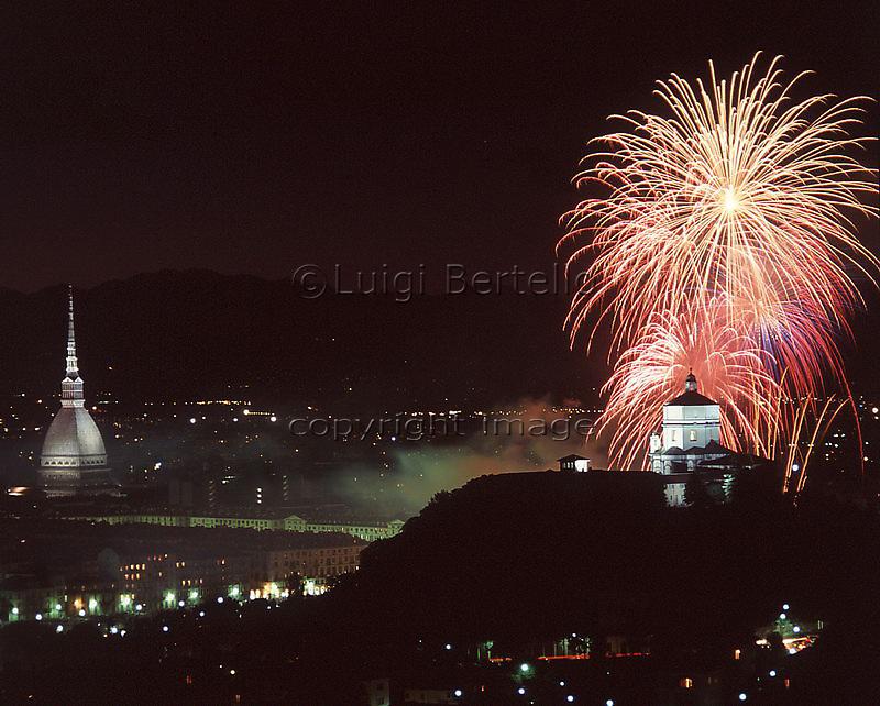Panorama di Torino durante i festeggiamenti di San Giovanni.