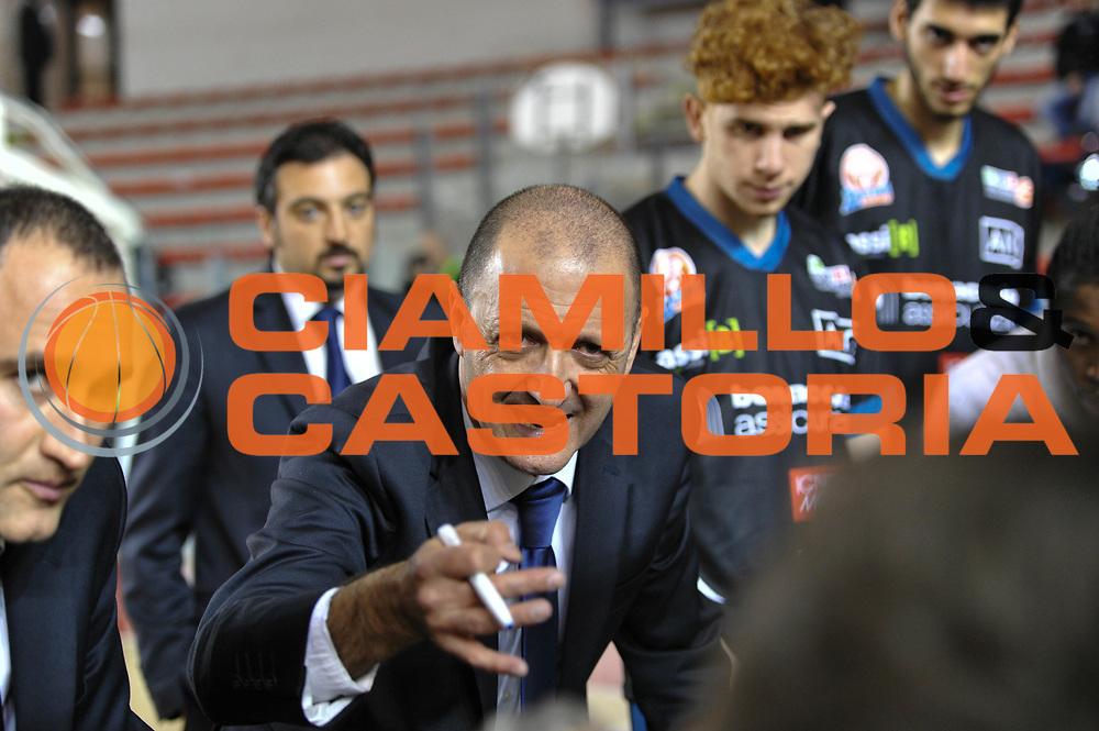 DESCRIZIONE : Roma LNP A2 2015-16 Acea Virtus Roma Benacquista Assicurazioni Latina<br /> GIOCATORE : Franco Gremenzi<br /> CATEGORIA : allenatore coach time out<br /> SQUADRA : Benacquista Assicurazioni Latina<br /> EVENTO : Campionato LNP A2 2015-2016<br /> GARA : Acea Virtus Roma Benacquista Assicurazioni Latina<br /> DATA : 20/12/2015<br /> SPORT : Pallacanestro <br /> AUTORE : Agenzia Ciamillo-Castoria/G.Masi<br /> Galleria : LNP A2 2015-2016<br /> Fotonotizia : Roma LNP A2 2015-16 Acea Virtus Roma Benacquista Assicurazioni Latina