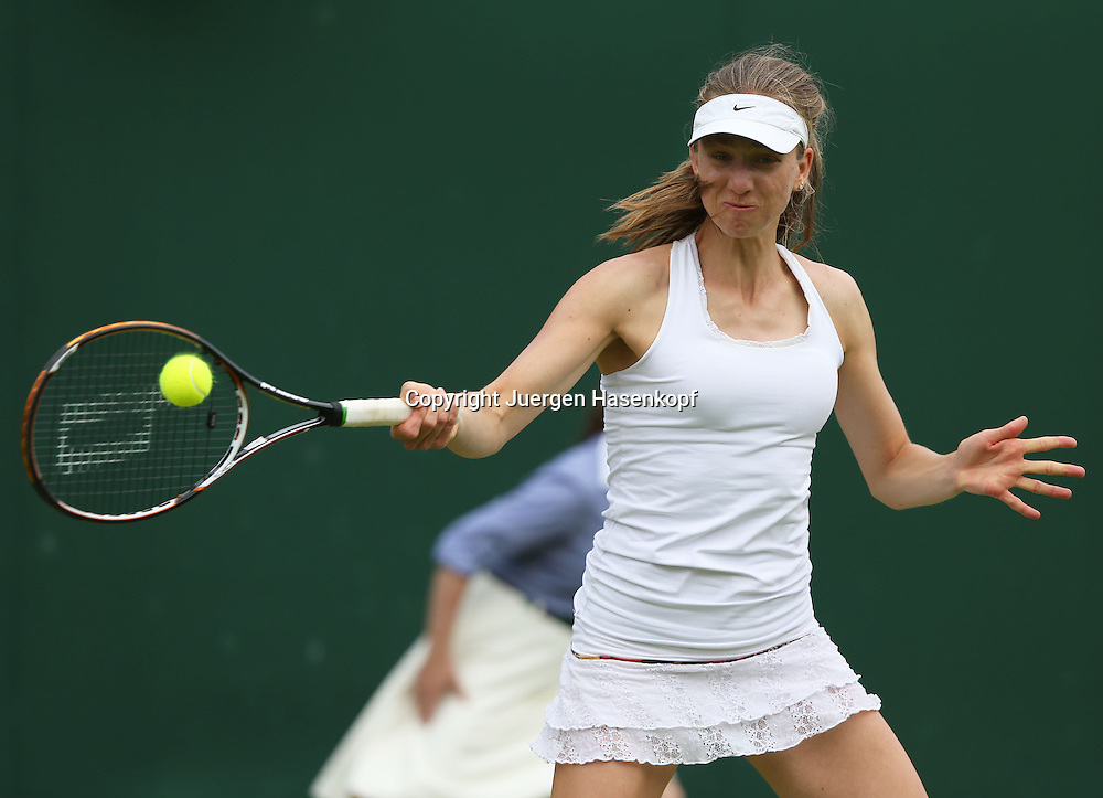 Wimbledon Championships 2013, AELTC,London,<br /> ITF Grand Slam Tennis Tournament,<br /> Mona Barthel (GER),Aktion,Einzelbild,Halbkoerper,<br /> Querformat,