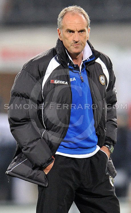 Udine, 29 Aprile 2012.Campionato di calcio Serie A 2011/2012.  35^ giornata. Stadio Friuli..Udinese vs Lazio. .Nella foto: Francesco Guidolin..© foto di Simone Ferraro..ITALY, Udine : Udinese's head coach Francesco Guidolin prior the Italian Serie A football match between Udinese and Lazio on April 29, 2012 at the Friuli Stadium in Udine. .© foto di Simone Ferraro